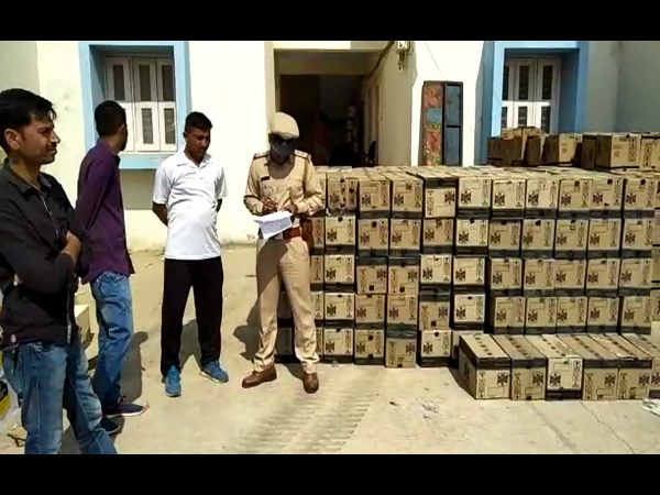Devbhumi Dwarka Ahead Gujarat Election Police Caught Liqueu