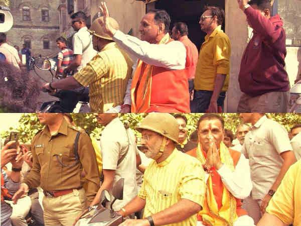 ગુજરાત ચૂંટણી: રાજકોટમાં એક્ટિવા પર ફર્યા CM રૂપાણી