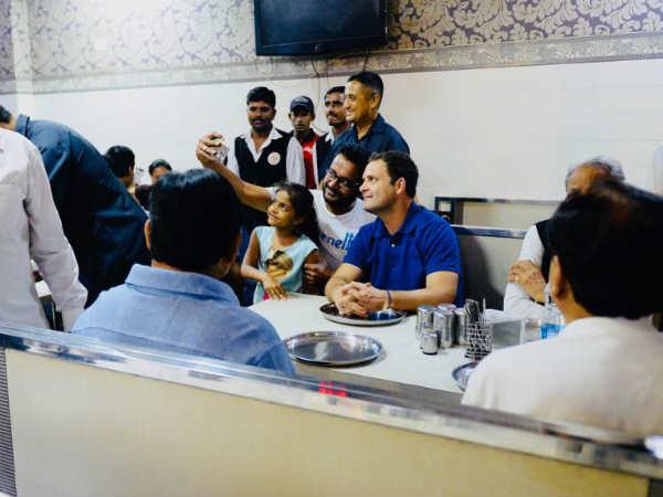 Gujarat Election 2017 Rahul Gandhi Enjoy Kadhi Khichdi At Vapi