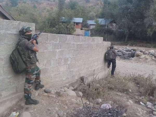 Terrorists Attack Police Party In Zakura Hazratbal Area Srinagar Jammu Kashmir