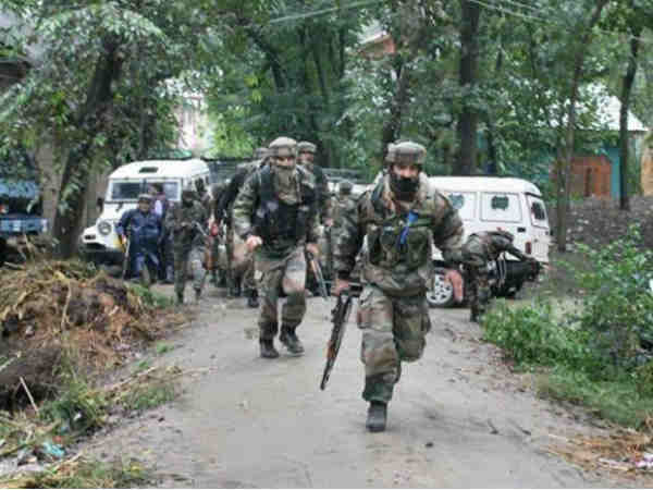 One Terrorist Gunned Down 2 Jawans Martyred In Pulwama