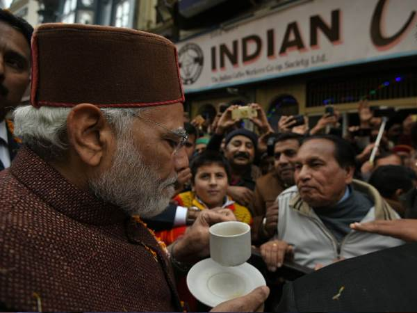 Pm Narendra Modi Stopped The Iconic Indian Coffee House At Mall Road Shimla Himachal Pradesh