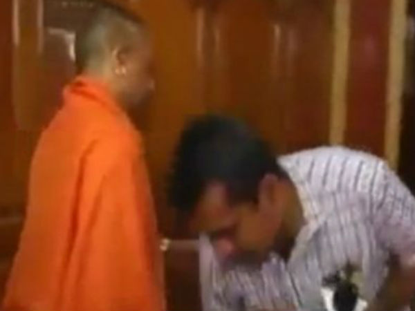Video Ani Reporter Touching Yogi Adityanath S Feet Raises Eyebrows