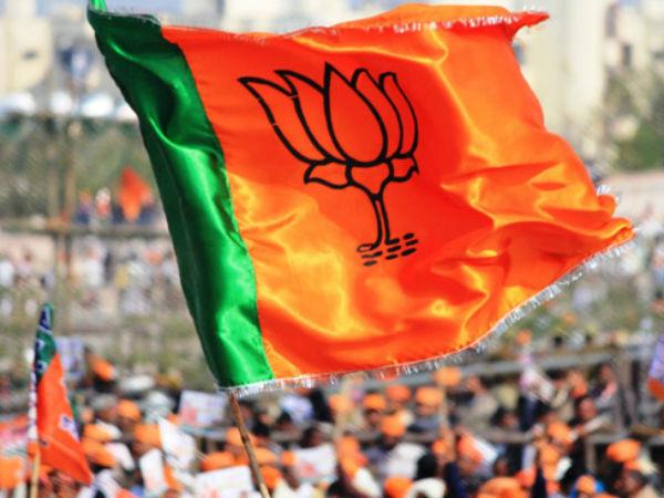 Before Gujarat Elections Bjp Worried As People Showing Less Response Towards Bjp