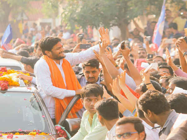 Hardik Patel Set Record By Doing 52 Kilometer Longest Road Show In Ahmedabad