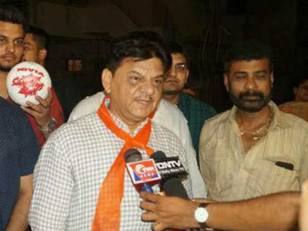 Bjp Shailesh Mehta Said Those Supporting Beard And Topi Must Not Raise Their Voice And Eyes