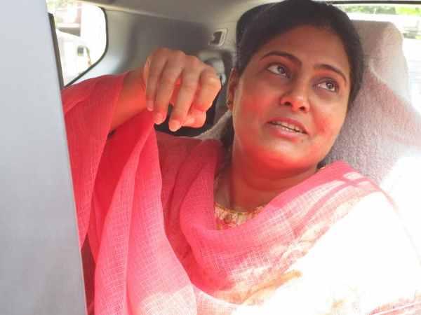 Modi Cabinet Minister Anupriya Patel Car Convoy Collided In Allahabad