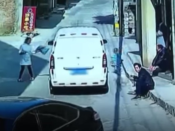Shocking Three Year Old Boy Survived After Being Ran Over Car In China