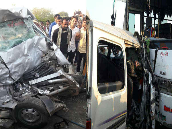 Kutch Horrible Accident 9 People Died Of The Same Village
