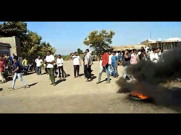 Karni Sena Protesting Padmaavat Film At Rajkot Botad And Morbi
