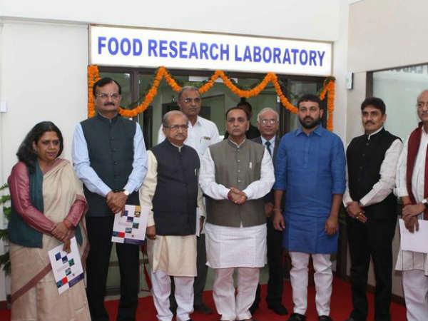Gandhinagar Cm Vijay Rupani Inaugurated Gujarat S First Food Test Leboratory
