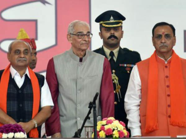 Nitin Patel Refuses To Sit On The Samller Chair Than Cm Vijay Rupani