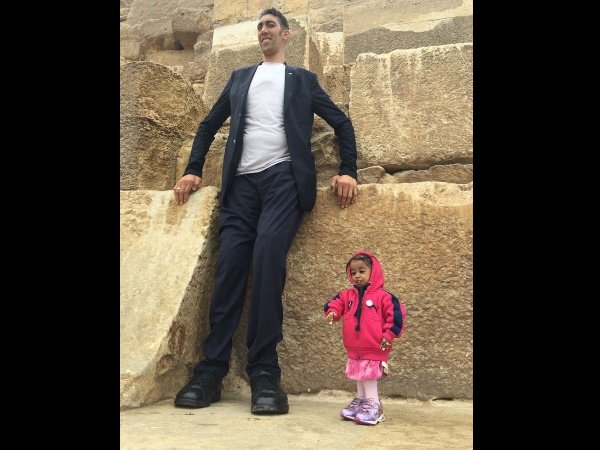 World Tallest Man Sultan Kosen Shortest Woman Jyoti Amge Meets Cairo Pictures Viral Egypt