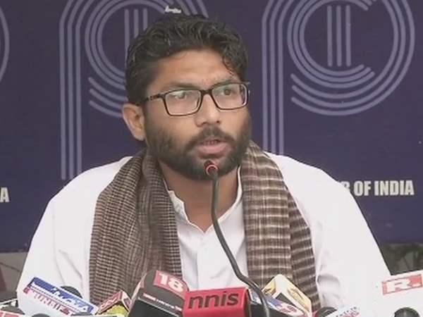 Jignesh Demands Removal Of Republic Tv S Mic From Press Meet Journalists Boycott