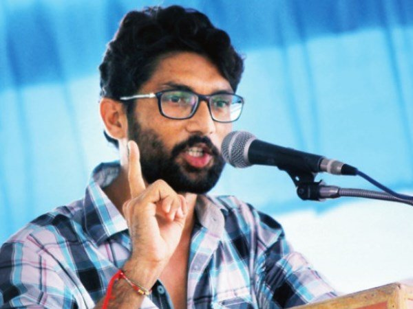 Jignesh Mevani Taunts Pm Narendra Modi On Uttarayan