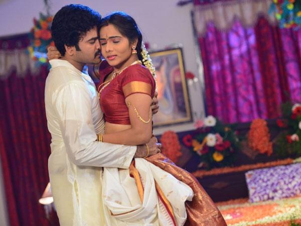 Vastu Tips For Keeping Bedroom Romance