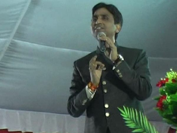 I Am The Youngest Advani The Country S Politics Says Kumar Vishwas
