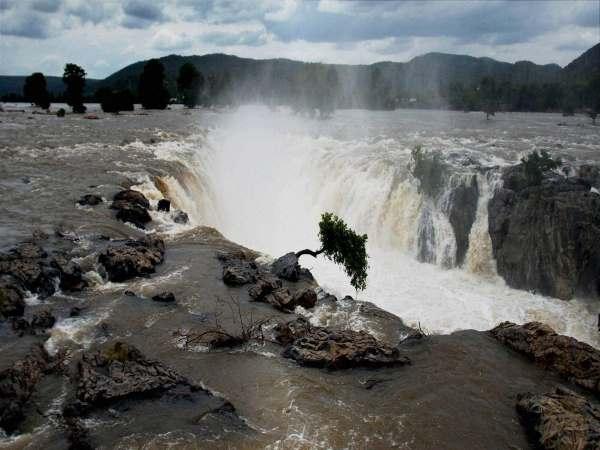કાવેરી જળ વિવાદ : SCનો નિર્ણય તમિલનાડુને પાણીનો કાપ