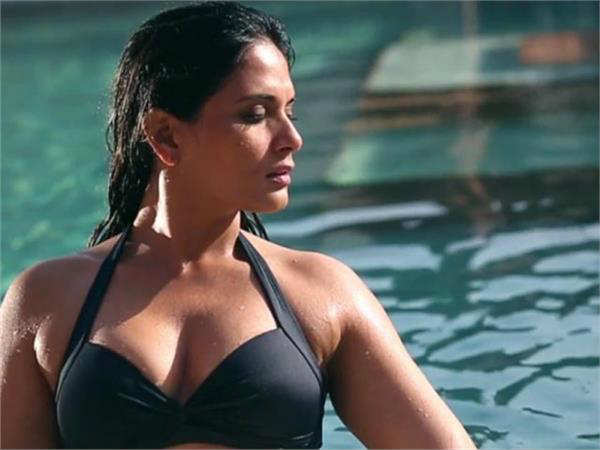 Actress Richa Chadda Did Bold Scenes In Das Dev See Her Hot Pics