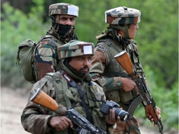 Encounter Between Security Personnel Terrorists Anantnag