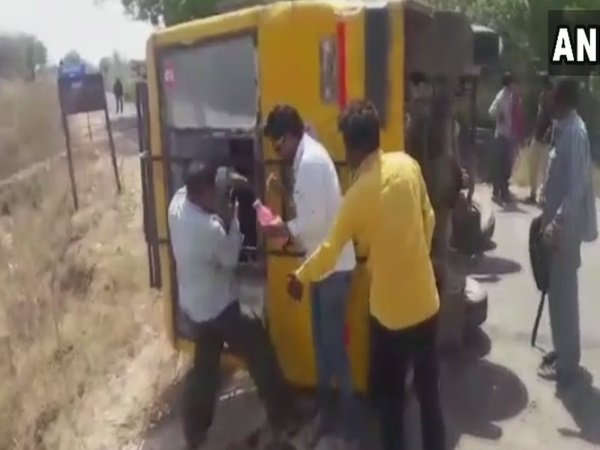 Gujarat 20 Students Injured After Their School Bus Overturn