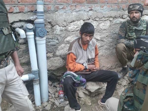 Indian Army Arrests Terrorist From Pakistan Who Escaped Last Month Kupwara Jammu Kashmir