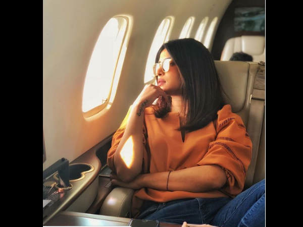 Is Priyanka Chopra Wearing Mangalsutra And Trying To Hide It Or Show It Off