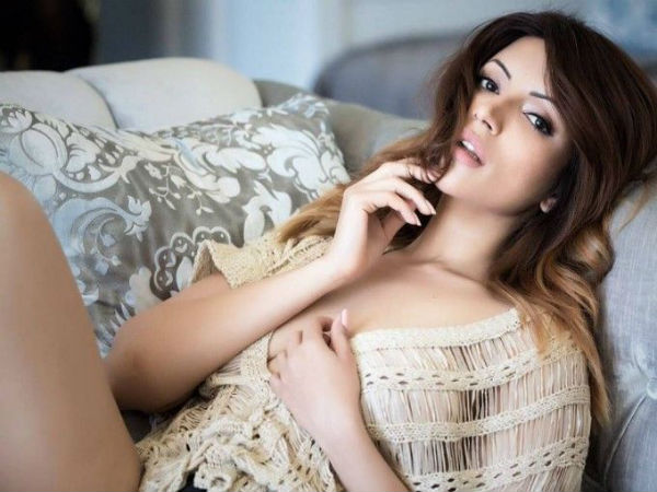 Shama Sikander Post Bold Pic With Bold Statement