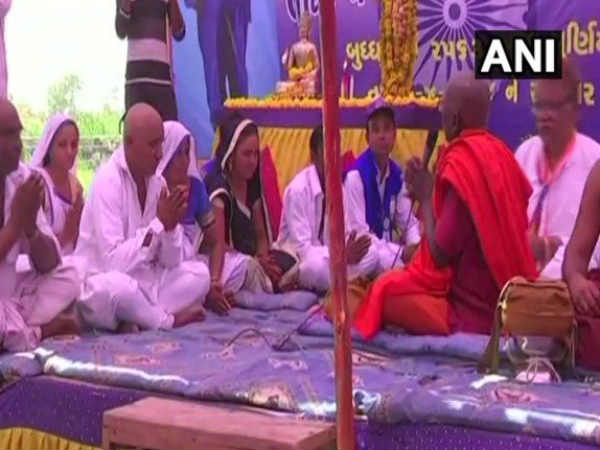 Gujarat S Una Dalits Converted Buddhism