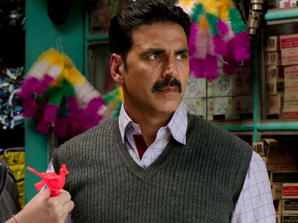 Akshay Kumar Befitting Reply On Uniform Auction Controversy