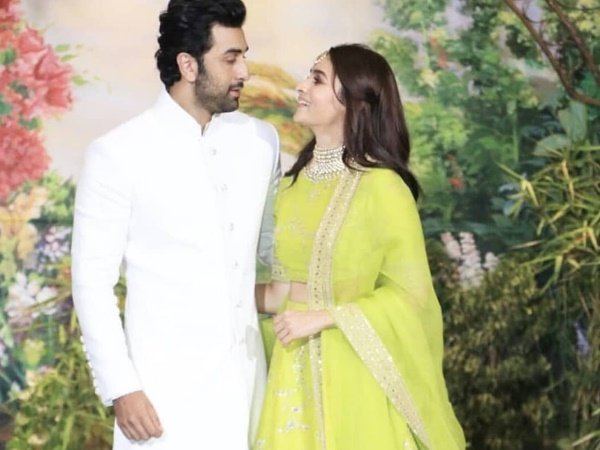 Alia Bhatt Ranbir Kapoor Walks Together Sonam Kapoor Reception Twitter Asking Are They Dating