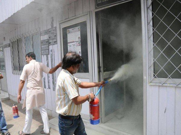 કોંગ્રેસના દિલ્હી મુખ્યાલયમાં આગ લાગવાથી મચ્યો હડકંપ