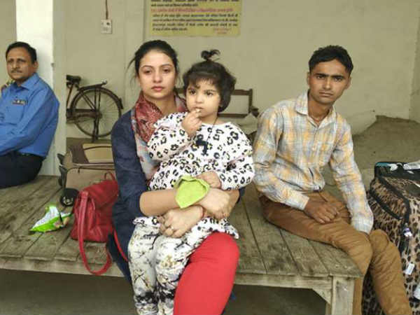 Hasin Jahan Reaches Mohammad Shami Home At Amroha Uttar Pradesh