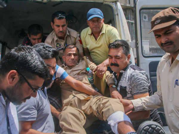 Pakistan Violates Ceasefire Heavy Shelling Kathua S Hiranagar Sector Jammu Kashmir