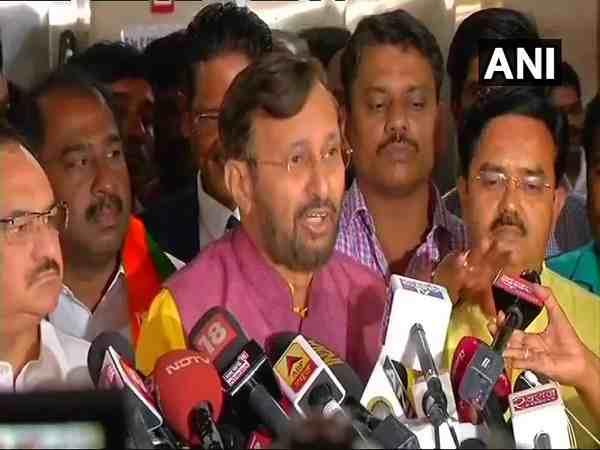 Karnataka Bjp In Charge Prakash Javadekar On Hd Kumaraswamy Horse Trading Allegations