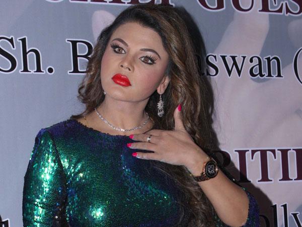 Rakhi Sawant Backs Saroj Khan S View On Casting Couch Nobody Rapes Anyone In Film Industry