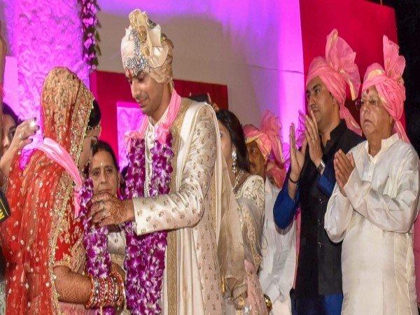 Lalu Prasad Son Tej Pratap Yadav Marriage People Looted Plates Food