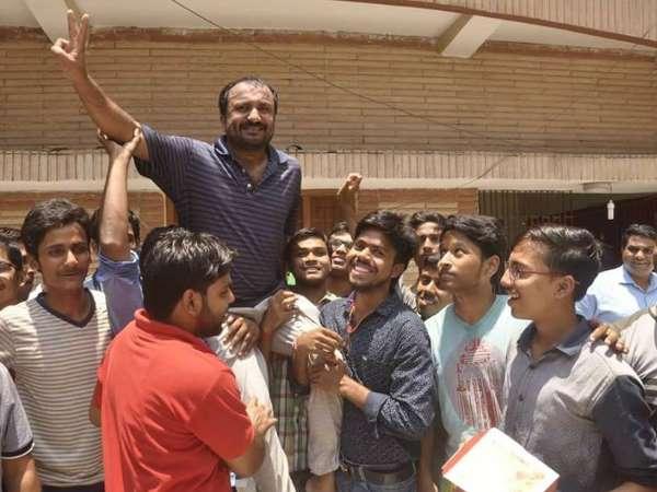 Twenty Six Of Thirty Students Passed Iit Jee Advanced Exam