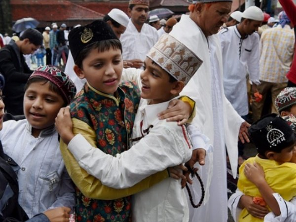 Eid Being Celebrated Kerala Shashi Tharoor Present See Pictures