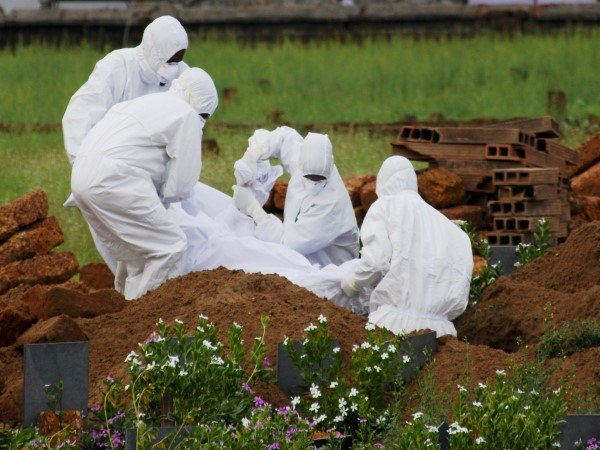 Nipah Virus Doctor Performs Last Rites Those Patients Lost Lives After Close Relatives Staying Away