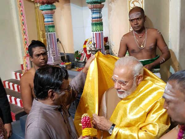Prime Minister Narendra Modi Visits Singapore S Mariamman Temple