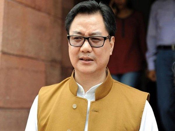 Union Minister Kiren Rijiju Backs Virat Anushka Litter Video