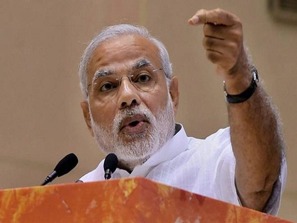 Pm Modi Attacks Opposition There Is No Grand Alliance Only