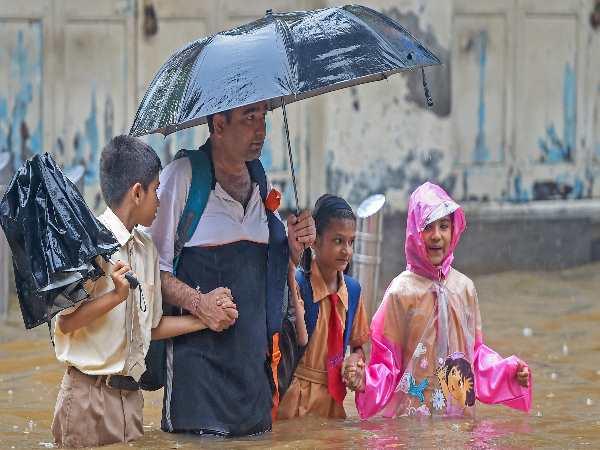Heavy Rain Mumbai Gujarat Uttarakhand North India Weather Monsoon Latest Update