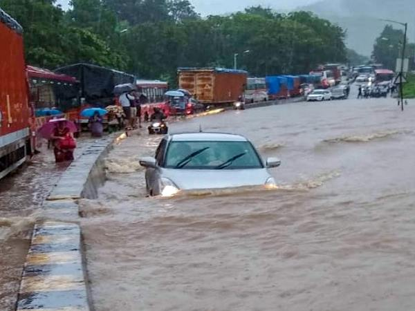 Mumbai Rains Live Latest Updates