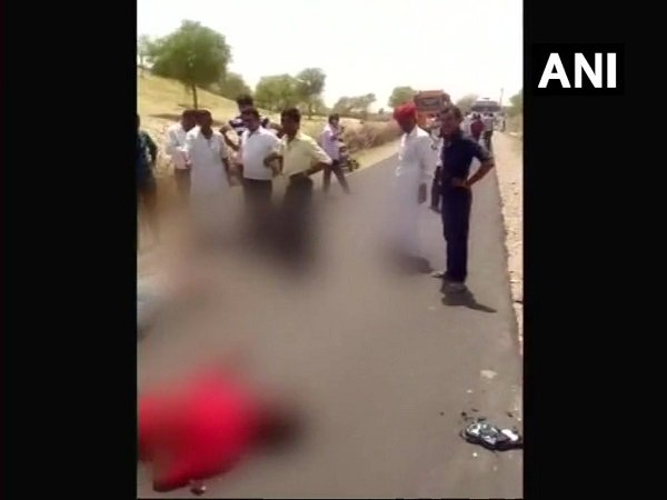 Rajasthan 3 Accident Victim Die Barmer People Click Selfies
