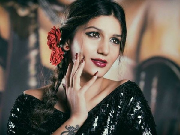 Viral Sapna Choudhary Does Retro Photoshoot Posts Pictures On Instagram For Fans