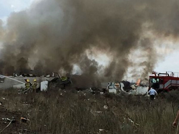 Aeromexico Plane With 100 People On Board Crashes Mexico S Durango State