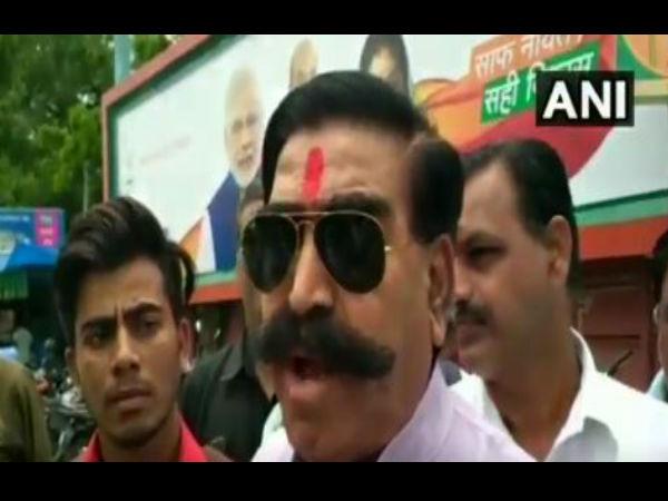 Bjp Mla Gyan Dev Ahuja Says Nehru Was Not Pandit One Who