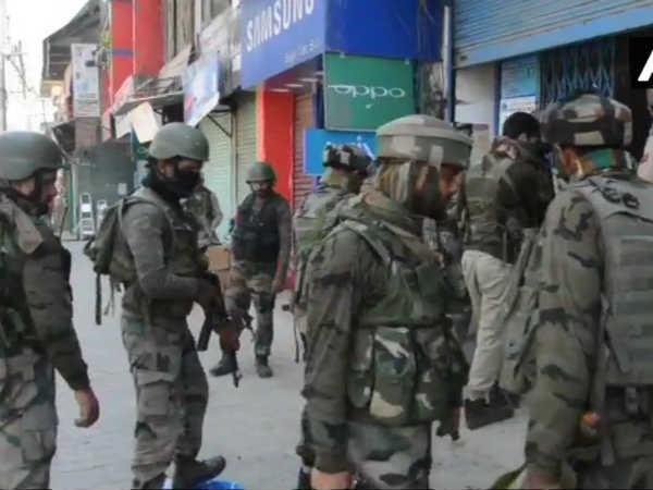 Jammu Kashmir Terrorists Hurl Grenade At Crpf Party Anantnag Jammu Kashmir